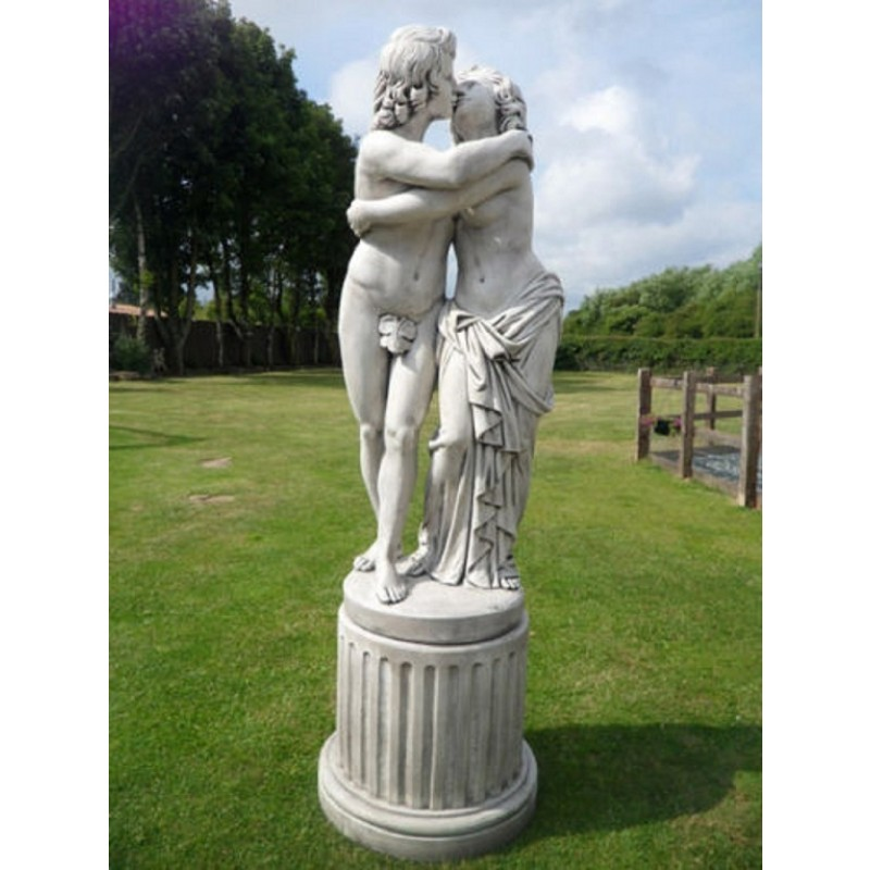 Lovers Statue (on plinth)