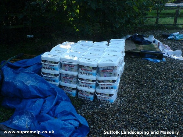 Supreme Landscaping Products deliver EASYJoint